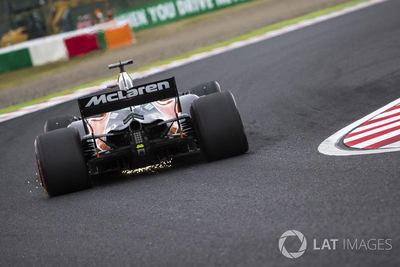 Fernando Alonso, McLaren MCL32 chispas