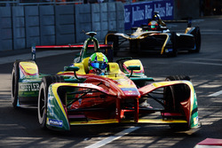 Lucas di Grassi, ABT Schaeffler Audi Sport, y Jean-Eric Vergne, Techeetah