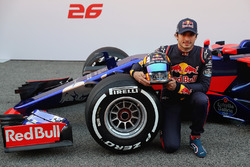Carlos Sainz Jr., Scuderia Toro Rosso poses with the Scuderia Toro Rosso STR12