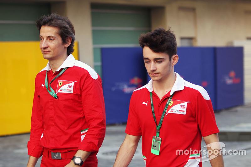 Massimo Rivola, Director de la Ferrari Driver Academy con Charles Leclerc, piloto de pruebas de Haas y campeón de la GP3 con el ARTE