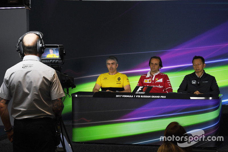 Nick Chester, Renault Sport F1 Team Technical Director, Luigi Fraboni, Ferrari Head of Engine Trackside Operations and Yusuke Hasegawa, Head of Honda Motorsport in the Press Conference