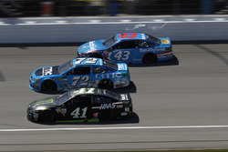 Kurt Busch, Stewart-Haas Racing Ford Cole Whitt, TriStar Motorsports Chevrolet Darrell Wallace Jr., Richard Petty Motorsports Ford