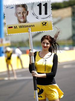 Gridgirl für Marco Wittmann, BMW Team RMG, BMW M4 DTM