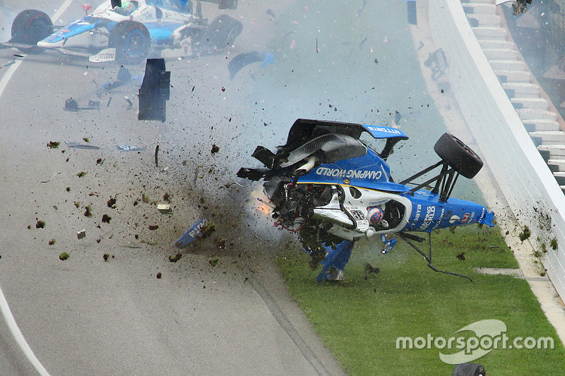 Crash: Scott Dixon, Chip Ganassi Racing, Honda