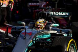 2. Lewis Hamilton, Mercedes AMG F1 W08, im Parc Ferme