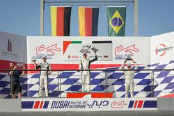 Podium : le vainqueur Leon Köhler, Rasgaira Motorsports, le deuxième David Schumacher, Rasgaira Motorsports, le troisième Caio Collet, SILBERPFEIL Energy Dubai