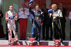 Podium: race winner Daniel Ricciardo, ISR, second place Robert Wickens, Carlin, third place Brendon Hartley, Charouz Racing