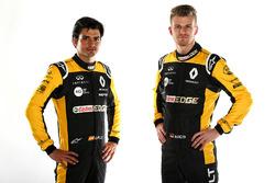 Carlos Sainz Jr., Nico Hulkenberg, Renault Sport F1 Team