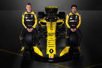 نيكو هلكنبرغ وكارلوس ساينز، سيارة رينو آر.أس18