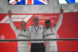 Valtteri Bottas, Mercedes-AMG F1, Dr. Dieter Zetsche, CEO of Daimler AG and Lewis Hamilton, Mercedes-AMG F1 celebrate on the podium