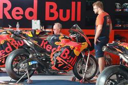 Мотоцикл гонщика Red Bull KTM Factory Racing Пола Эспаргаро
