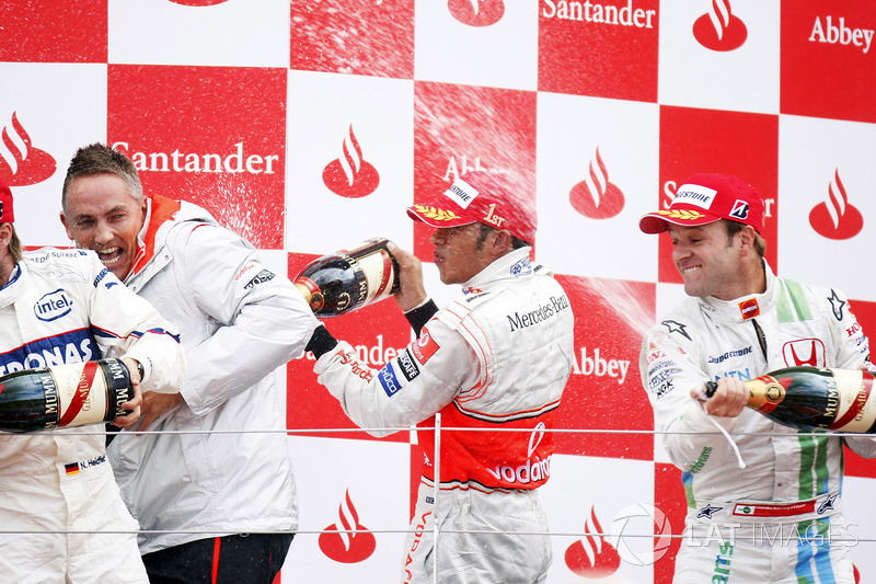 Podium: race winner Lewis Hamilton, McLaren MP4-23, second place Nick Heidfeld, BMW Sauber F1.08, th
