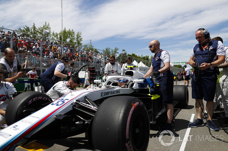 Sergey Sirotkin, Williams FW41, on the grid