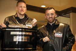 Austin Dillon, Richard Childress Racing Chevrolet Camaro con Justin Alexander, Crew chief