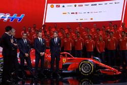 Kimi Raikkonen, Ferrari, Sebastian Vettel, Ferrari, Marc Gene, Ferrari, Maurizio Arrivabene, Ferrari