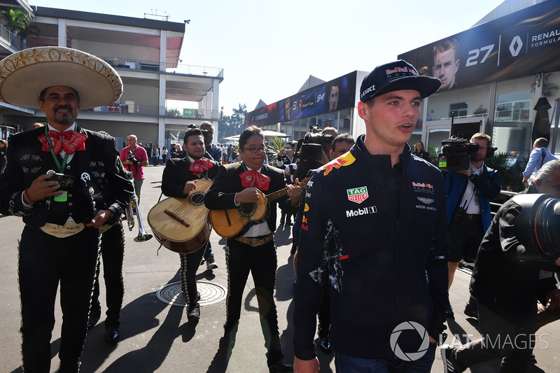 Max Verstappen, Red Bull Racing y los Mariachis