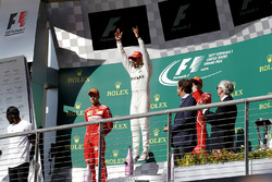 Race winner Lewis Hamilton, Mercedes AMG F1 celebrates on the podium alongside Usain Bolt, second place Sebastian Vettel, Ferrari, James Allison, Mercedes Technical Director and third place Kimi Raikkonen, Ferrari
