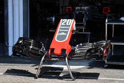 Haas F1 Team VF-18 burun ve ön kanat