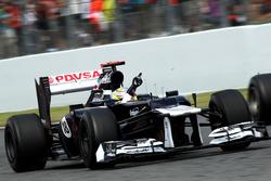 Race winner Pastor Maldonado, Williams FW34 celebrate