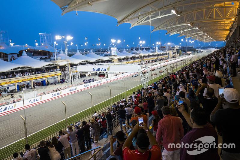 Valtteri Bottas, Mercedes AMG F1 W08, and Lewis Hamilton, Mercedes AMG F1 W08