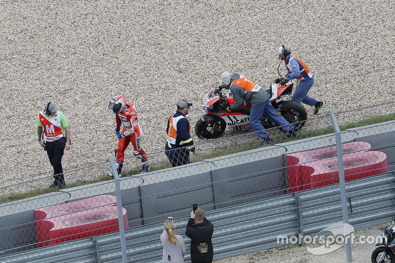 Andrea Dovizioso, Ducati Team, Crash