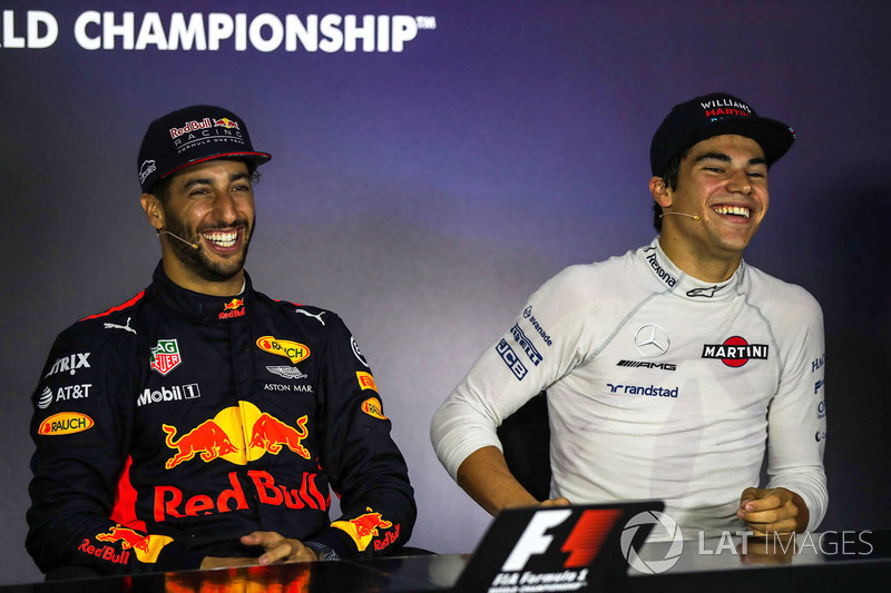 Ganador de la carrera Daniel Ricciardo, Red Bull Racing y Lance Stroll, Williams en a conferencia de