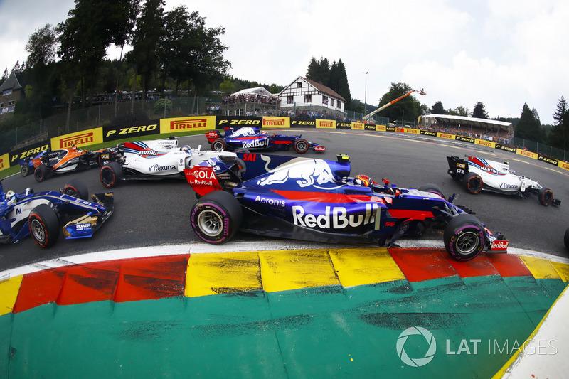 Карлос Сайнс-мол., Scuderia Toro Rosso STR12, Феліпе Масса, Williams FW40, Маркус Ерікссон, Sauber C36