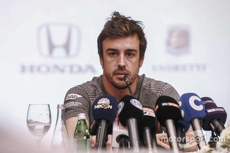 Fernando Alonso announces his deal to race in the 2017 Indianapolis 500 in an Andretti Autosport run