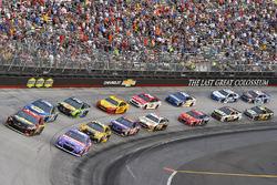 Start: Erik Jones, Furniture Row Racing Toyota, Kyle Larson, Chip Ganassi Racing Chevrolet