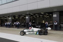 Martin Brundlefährt einen FW08 mit 6 Rädern