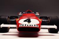 La Ferrari 312B in pista a Monza, dopo la curva del Serraglio, per le riprese del documentario omonimo. Alla guida Paolo Barilla.