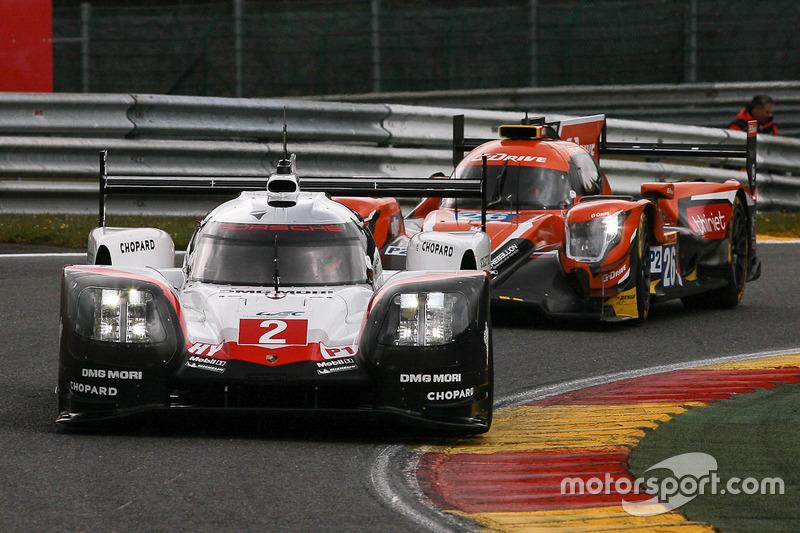 #2 Porsche Team Porsche 919 Hybrid: Timo Bernhard, Earl Bamber, Brendon Hartley, #26 G-Drive Racing