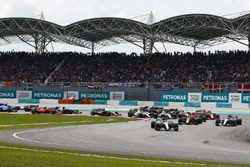 Lewis Hamilton, Mercedes AMG F1 W08, Max Verstappen, Red Bull Racing RB13, Daniel Ricciardo, Red Bull Racing RB13, Valtteri Bottas, Mercedes AMG F1 W08, at the start