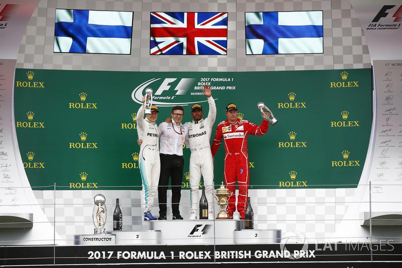 Валттері Боттас, Mercedes AMG F1, гоночний інженер Mercedes AM Пітер Боннінгтон, Льюіс Хемілтон, Mercedes AMG F1, Кімі Райкконен, Ferrari