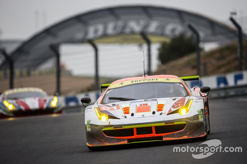 47: (GTE AM POLE) #61 Clearwater Racing Ferrari 458 Italia: Mok Weng Sun, Rob Bell, Keita Sawa