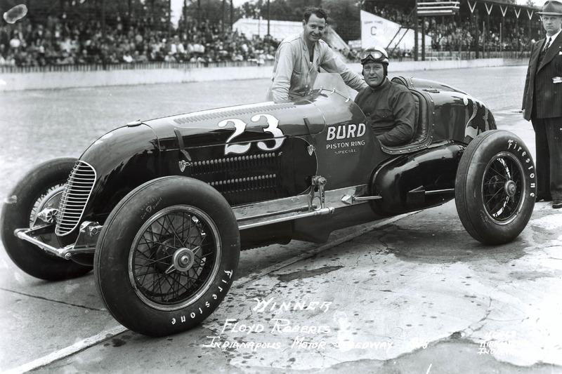 Ganador de la carrera Floyd Roberts