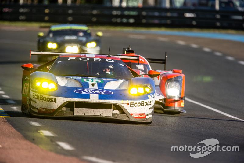 18e: (GTE PRO-winnaar) #68 Ford Chip Ganassi Racing Ford GT: Joey Hand, Dirk Müller, Sébastien Bourdais