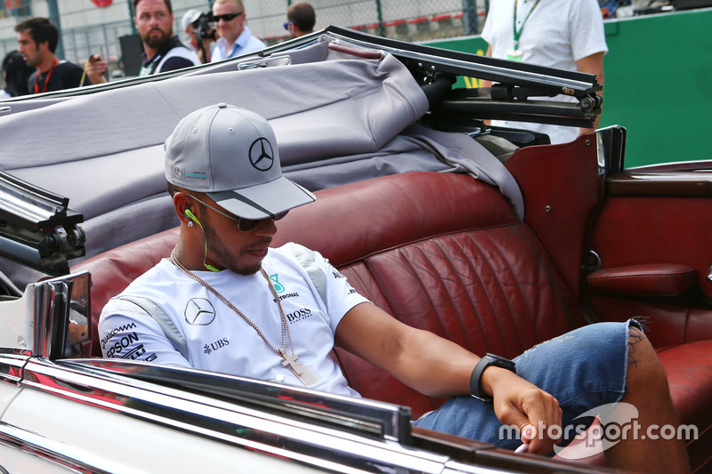 Lewis Hamilton, Mercedes AMG F1 nella sfilata dei piloti