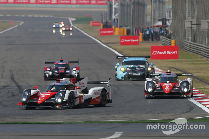 #6 Toyota Racing Toyota TS050 Hybrid: Stéphane Sarrazin, Mike Conway, Kamui Kobayashi; #5 Toyota Rac