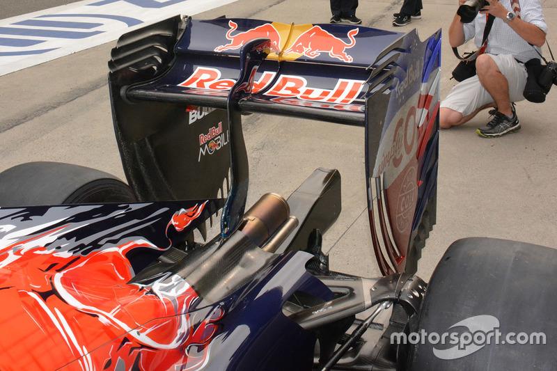 Scuderia Toro Rosso STR11 rear detail