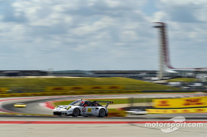 #912 Porsche Team North America Porsche 911 RSR: Earl Bamber, Frédéric Makowiecki
