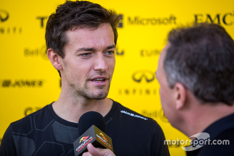 Jolyon Palmer, Renault Sport F1 Team with the media
