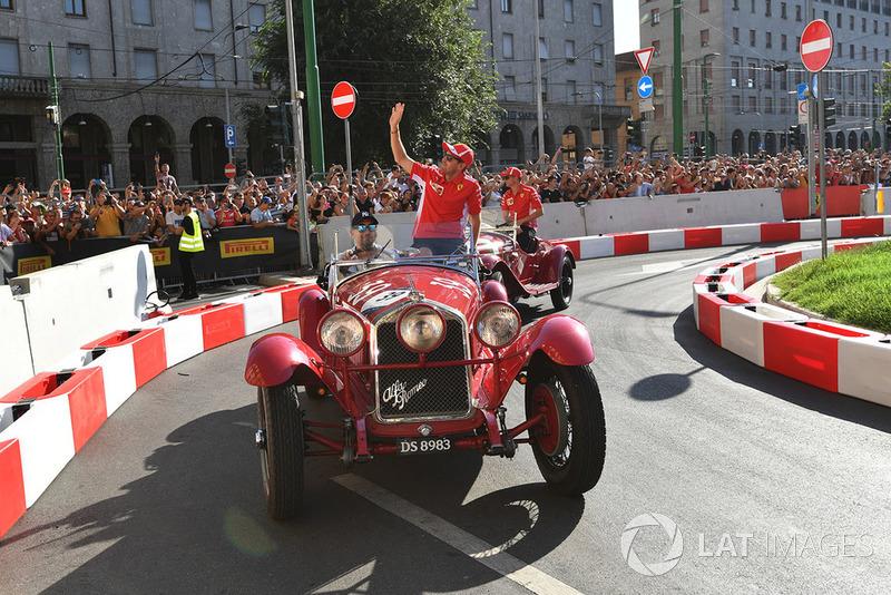 Себастьян Феттель, Ferrari, у вінтажному авто