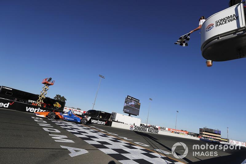 Scott Dixon, Chip Ganassi Racing Honda llega a meta
