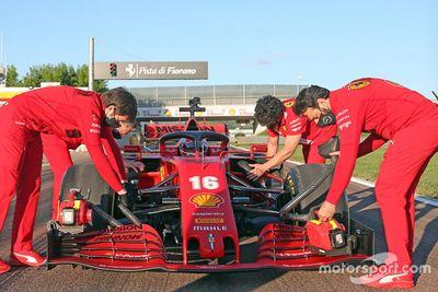 Леклер на Ferrari SF1000 в Маранелло