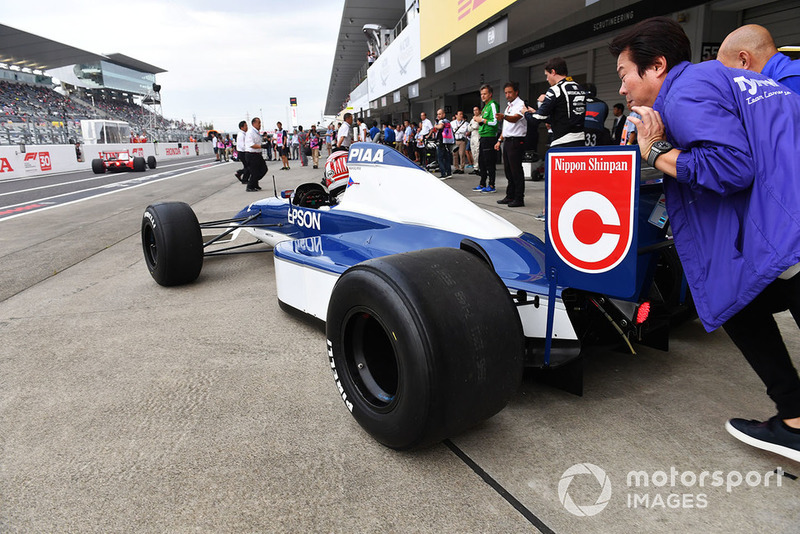 Kazuki Nakajima, Tyrrell 017 at Legends F1 30th Anniversary Lap Demonstration