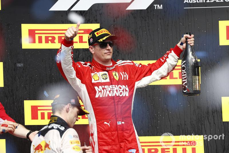 Макс Ферстаппен, Red Bull Racing, Кімі Райкконен, Ferrari, святкують на подіумі