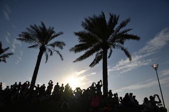 Des fans sur l'Abu Dhabi Hill