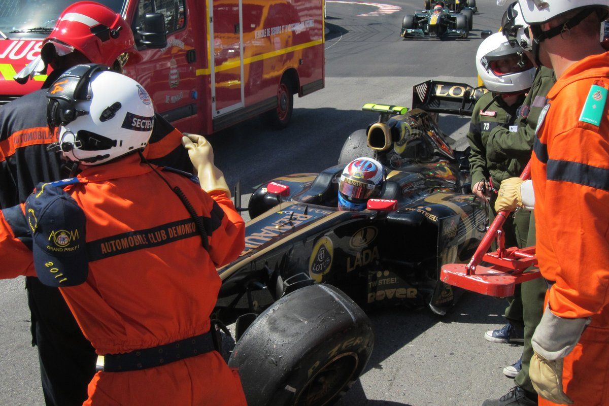 Vitaly Petrov, Lotus Renault GP R31 after the crash