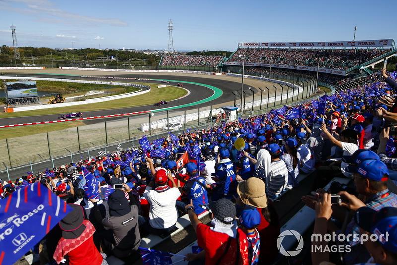 Pierre Gasly, Scuderia Toro Rosso STR13, Brendon Hartley, Toro Rosso STR13